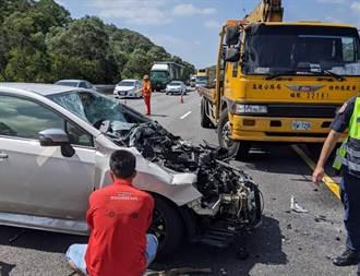 國3通霄段轎車高速撞防撞車 1人輕傷送醫