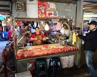 聽見切肉買菜的聲音 李百文錄下菜市場裡的人情味