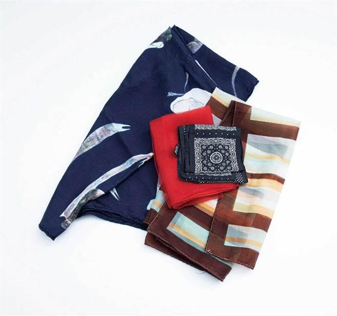 把絲巾當作頭飾或腰帶的陳璇,穿搭訣竅幾乎都學習自網路。(圖/莊立人攝)