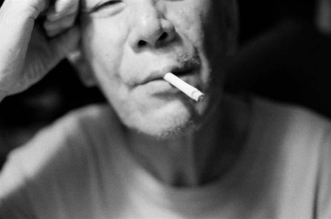 陳璇計劃幫老爸龍劭華拍攝一系列照片,當成父女情深的紀念。(圖/寶麗來提供)