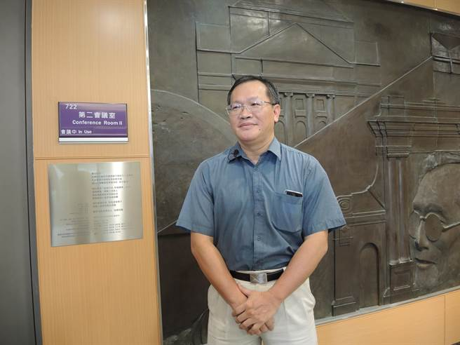 清華大學副教授方天賜向校內相關人員及單位詢問後,認為達賴喇嘛將訪台灣清華是烏龍一場。(邱立雅攝)
