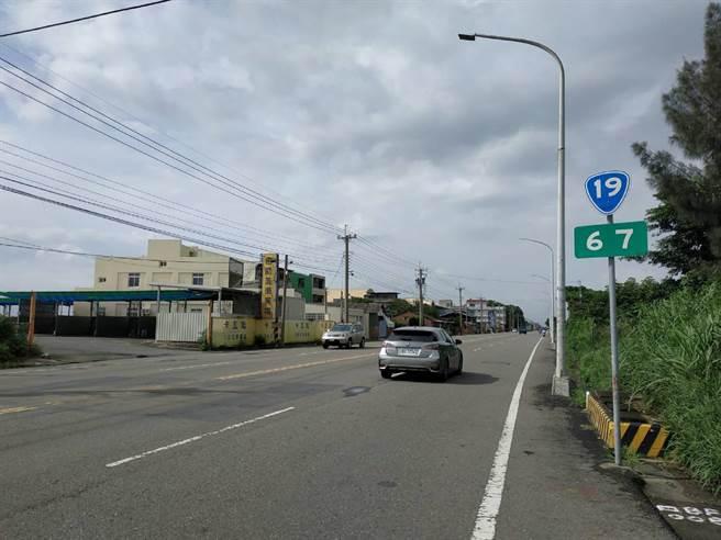 雲林縣台78甲高架快速道路規畫沿台19線興建,交通部補助500餘萬元進行可行性評估。(張朝欣攝)