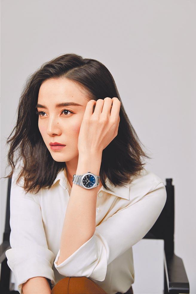 中国大陆女星宋佳受邀拍摄真力时Defy Midnight系列女性腕表形象广告。(ZENITH提供)