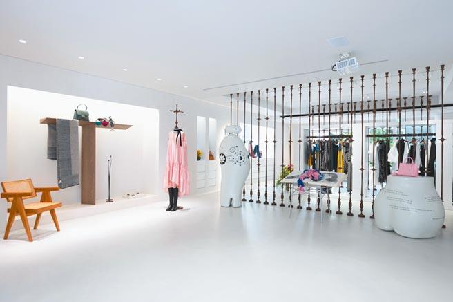 店內以純白色系打造空間,呈現「聖靈」感。(Jamei Chen提供)