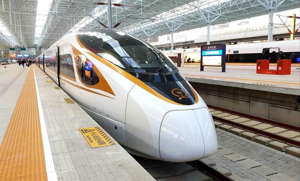 全大陸鐵路連續6天發送旅客超一千萬人次。(藍孝威攝)