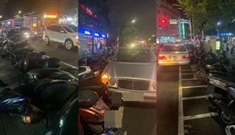 影》新店驚見74歲老翁閃躲爆衝 18輛汽機車保齡球式倒地