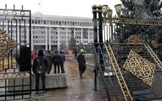 吉爾吉斯總理辭職 並承認選舉無效