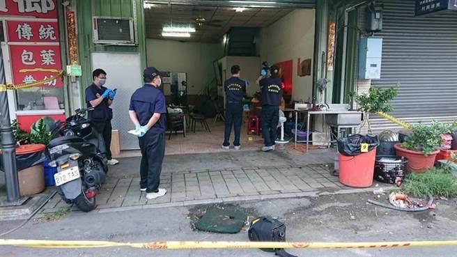 台南市仁德槍擊命案發生後,警方封鎖現場蒐證。(本報資料照片)