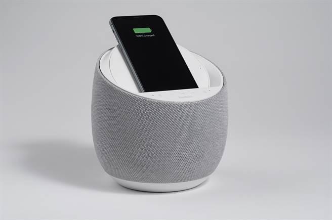 Belkin 和 Devialet 攜手推出具無線充電功能的創新 Hi-Fi 智慧型揚聲器。(Belkin提供/黃慧雯台北傳真)