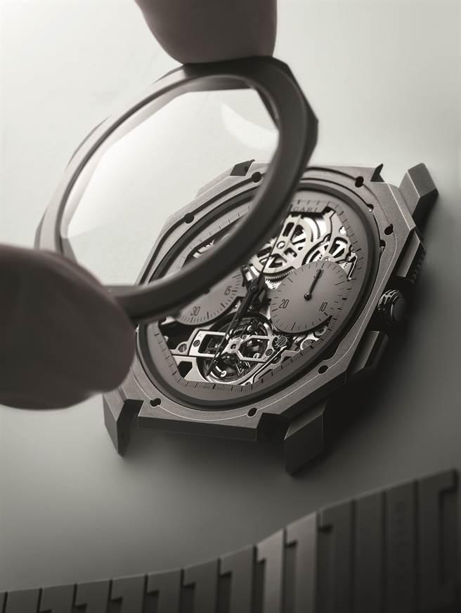 Octo Finissimo超薄鏤空陀飛輪自動計時腕錶。(圖/品牌提供)