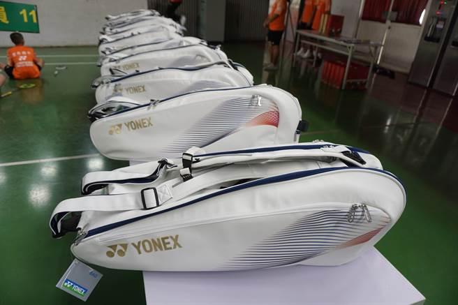 優乃克(YONEX)  贊助豐原國中百萬元球具,以培養未來新星。(王文吉攝)