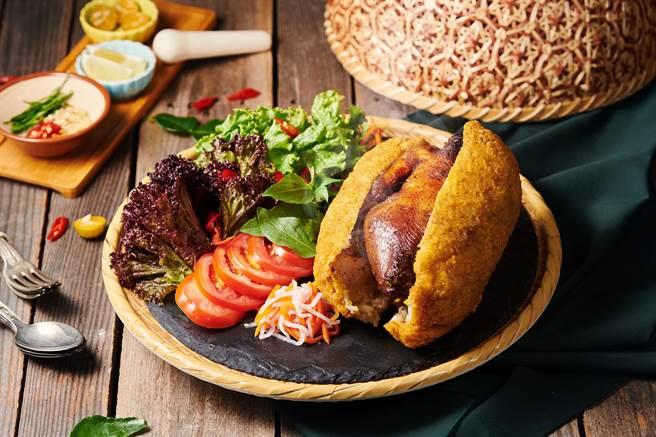 沐越新菜亮點「迷路雞」為越南當地與愛人約會的必點名菜。(王品提供)