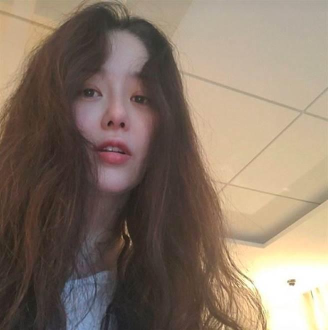 韓網日前瘋傳高賢廷近照,完全看不出已經50歲。(圖/翻攝自IG)