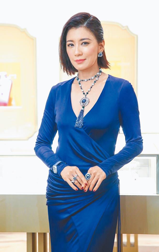 贾静雯担任宝格丽丽晶精品全新概念店的开幕剪彩嘉宾,尽现女神风采。(粘耿豪摄)