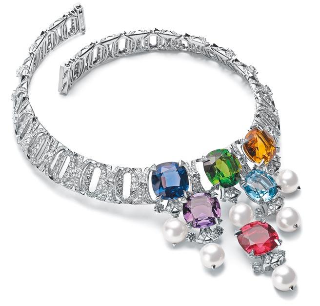 宝格丽CINEMAGIA系列Jeweller To The Stars顶级彩宝与钻石项炼,约2000万元。(BVLGARI提供)