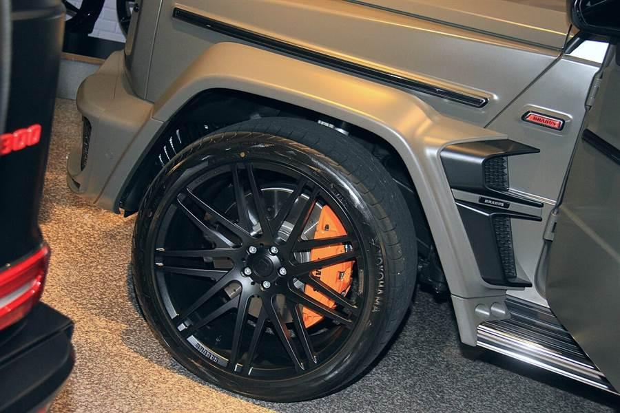 輪圈提供20~24吋的尺寸選擇。