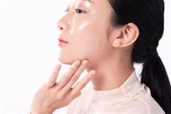 面膜觸感竟像隱形眼鏡超服貼!隱眼保存液保濕技術臉用更水潤