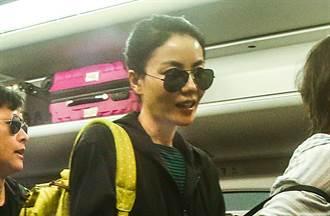女星音樂節狂跳手機遺失 到失物招領處脫口罩感謝「竟是天后王菲」