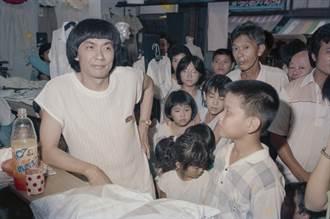 好激動!40年前和豬哥亮逛鹿港 攝影家林彰三捕捉到了