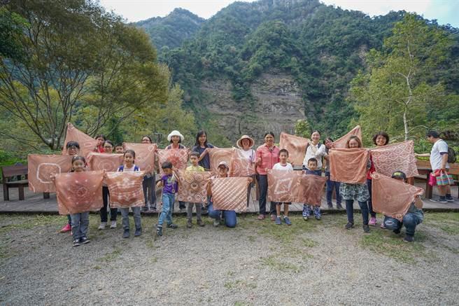 参山国家风景区管理处举行第2届石壁部落健行,将带领游客深探泰雅部落风情。(参山处提供/谢明俊苗栗传真)