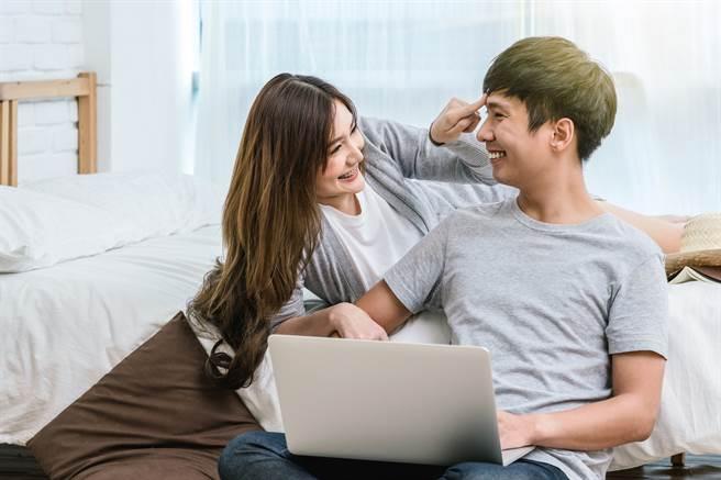 男女單獨出去玩是純友誼嗎?網神分析2者心態(示意圖/達志影像)