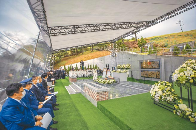 前總統李登輝奉安禮拜7日在五指山國軍示範公墓舉行,儀式簡單肅穆。(總統府提供)