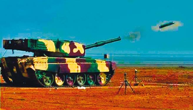 9月22日,印度成功試射反坦克飛彈。(取自twitter@rajnathsingh)