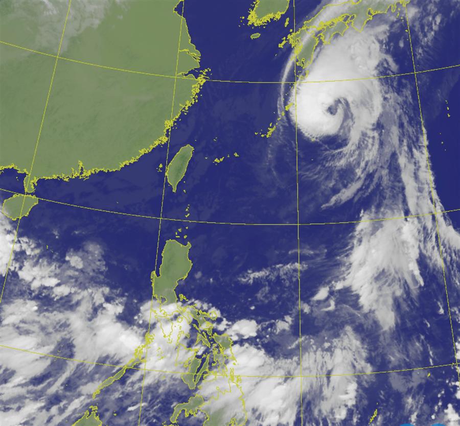 國慶連假北台灣飄雨 下周熱帶擾動到 對台影響曝光。(氣象局 衛星雲圖)