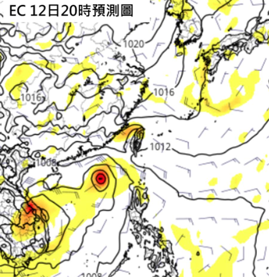 最新歐洲中期預報中心(ECMWF)模式模擬周日(11日)南海還有熱帶擾動發展,雖不直接影響台灣,但台灣東側水氣因此增多。(圖擷自tropical tidbits)