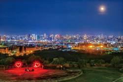 國慶連假夜景人氣夯 中市制高點最美夕陽、燈海無敵視野