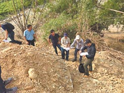 枋寮發掘石頭營遺跡 監看施工