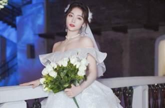 25歲清純女星畢業「洩香肩雪膚」拍婚紗引熱議