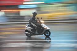 最麻煩駕照?高中生無照騎車欠出百萬罰單 母好苦還要陪課