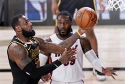 NBA》詹皇關鍵球傳格林遭批 眾球員說情
