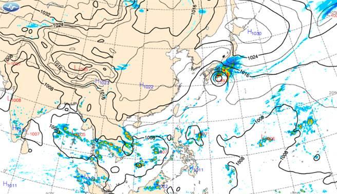 國慶日天氣還算穩定,北部偏涼有短暫雨,中南部及東部多雲到晴,日夜溫差大。(中央氣象局提供)