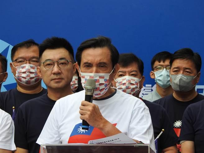 前總統馬英九上午參加黨中央自辦升旗典禮。(趙婉淳攝)