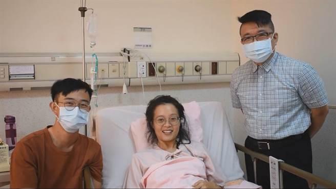 張太太說,女兒預產期還沒到,安胎兩周仍迫不及待選在國慶日出生。(林新醫院提供/馮惠宜台中傳真)