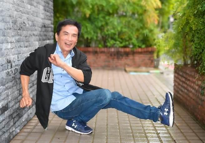 70歲的李小飛,外型和體力都保養得還不錯。(盧禕祺攝)