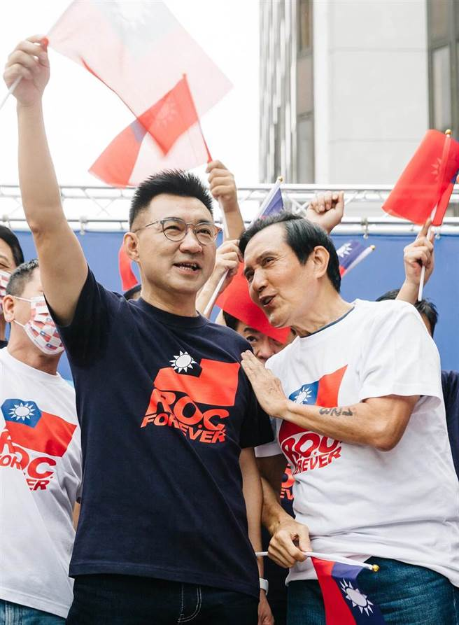 馬和現任黨主席江啟臣(左)互動頻繁(郭吉銓攝)