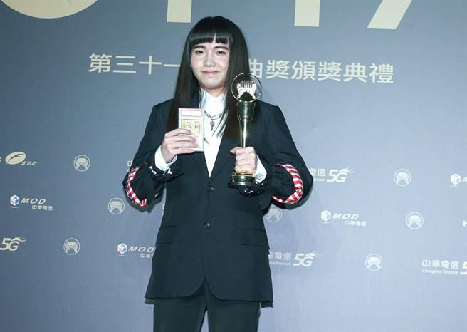 第31屆金曲獎頒獎典禮,最佳新人獎得主持修。(圖/影視攝影組攝)