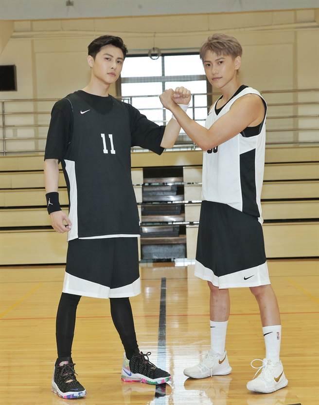 邱勝翊(王子)與弟弟邱宇辰10日舉辦「以愛之名-明星籃球公益賽」。(盧禕祺攝)