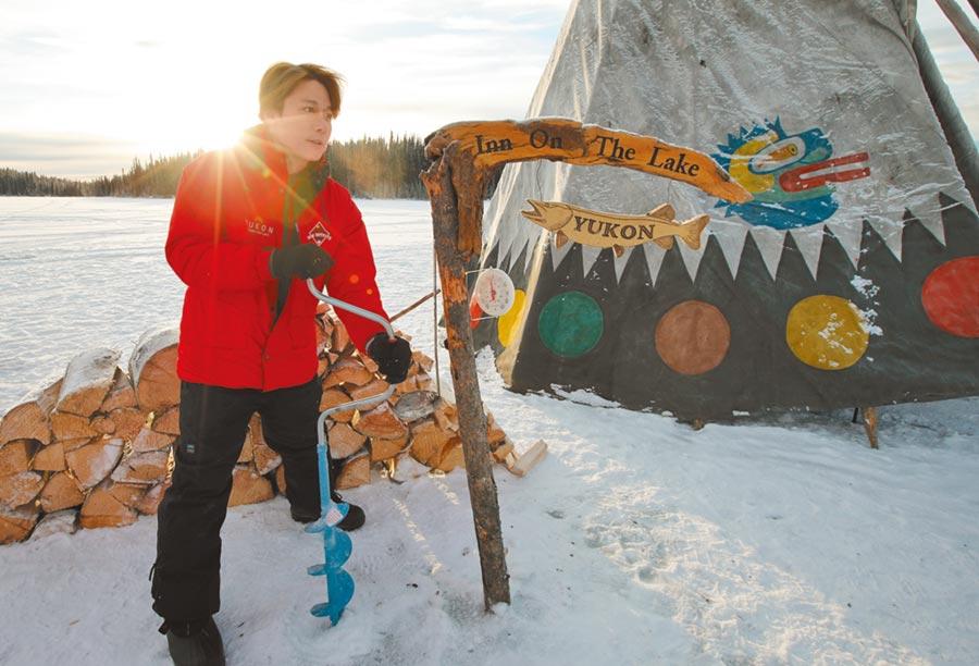 廖科溢在加拿大體驗了各種冰上生活。(亞洲旅遊台提供)