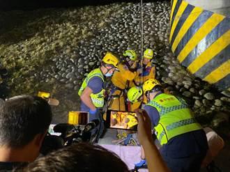 男爬50公尺高壓電塔欲尋短 耗時4小時終救下來