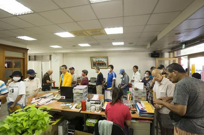 台中市南屯區有「長壽之區」美譽,隨著國人平均年齡增長的趨勢,今年南屯區65歲人口多達1萬8518人。(盧金足攝)