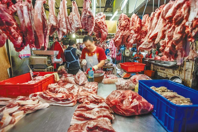 台灣動物社會研究會指出,萊克多巴胺不論對豬或人體都有害,堅決反對進口,呼籲改善冷鏈販售系統及拍賣制度。(台灣動物社會研究會提供/中央社)
