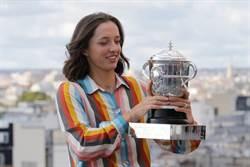 法網》網球擺第二?思薇雅蒂19歲摘冠還想升學