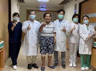 苗栗醫院微創膝關節手術 一次手術解決雙膝舊疾