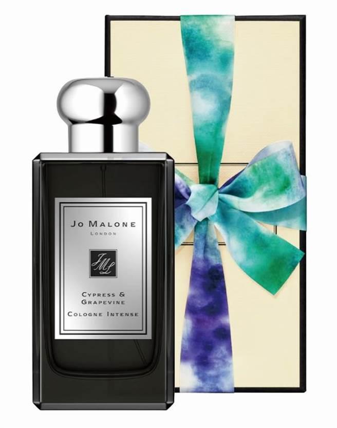 新光三越Jo Malone絲柏與葡萄醇香水禮盒,100ml,6620元。(新光三越提供)