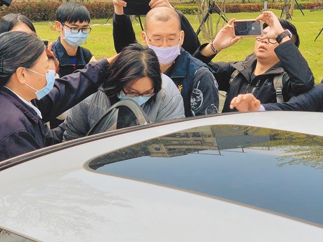 新店隨機殺人案,死者林男父母(圖中)獲北檢補償179萬多元。(本報資料照片)