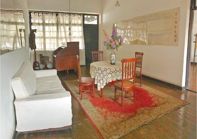 黃埔軍校校長室,即蔣介石的辦公室。(作者提供)